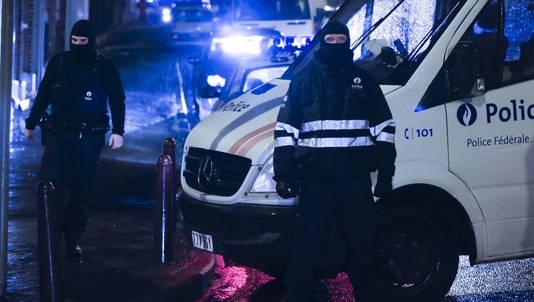 Aanwezigheid van gemaskerde politieagenten in Verviers.