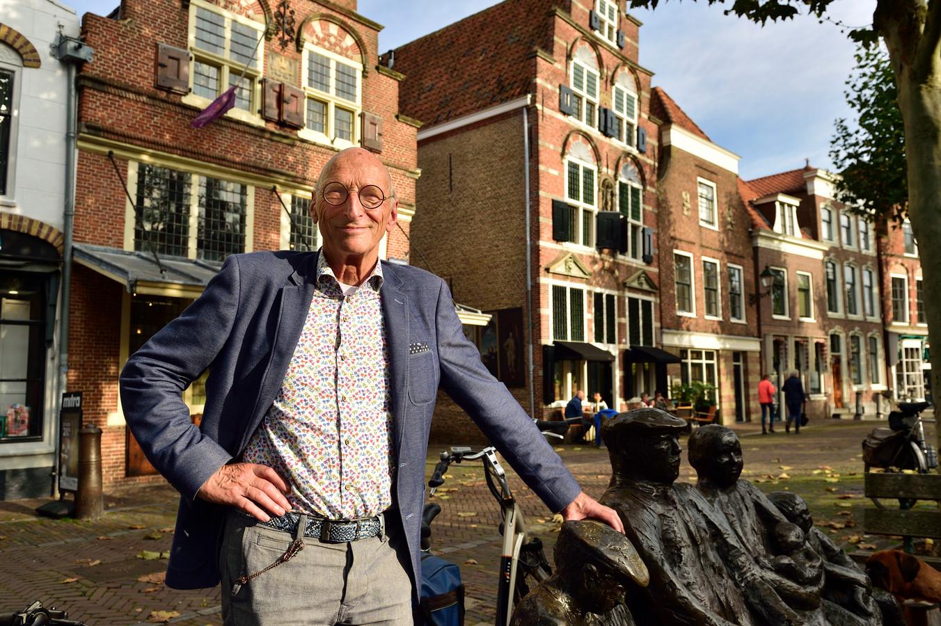 Wethouder Walther Kok van Oudewater wordt morgen 75, maar is voorlopig nog niet van plan om te stoppen met werken.