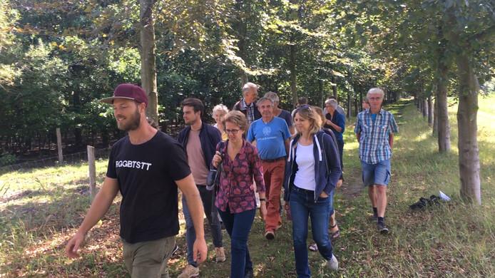Een tiental geïnteresseerden bezocht het programma bij de Roggebotstaete.