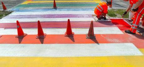 Wethouder is genereus met regenboogzebrapaden, Oudenbosch krijgt er zelfs twee