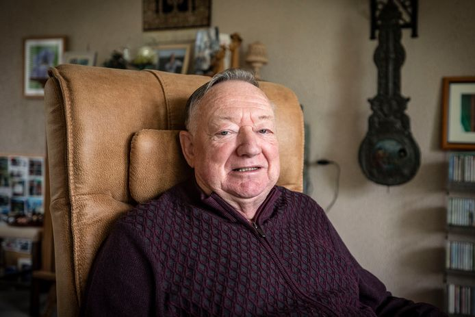 Aaldert van der Veen wordt deze week 80 jaar. Maar op bezoek zit hij nu even niet te wachten.