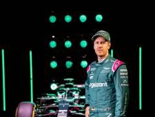 Bond-girl en gelukswensen van 007 voor Vettel bij presentatie Aston Martin