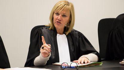 """Rechter Mireille Schreurs: """"Ik erger me ook aan linksrijders, maar rechts inhalen is verboden"""""""