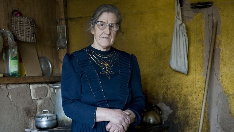 Waltraut Minnt in haar keuken Beeld Claudia Heinermann