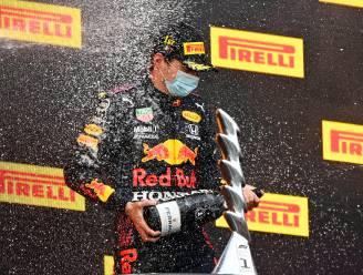 Max Verstappen aan het feest in Imola na spektakelstuk met schuiver Hamilton die nog tweede wordt
