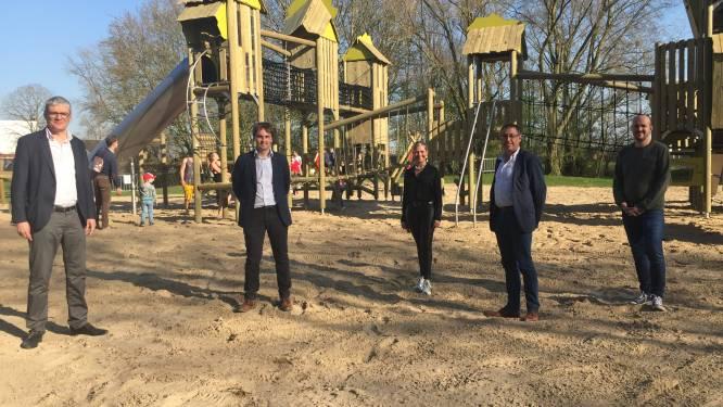 Sportpark De Mote is blikvanger rijker met nagelnieuwe speeltoren