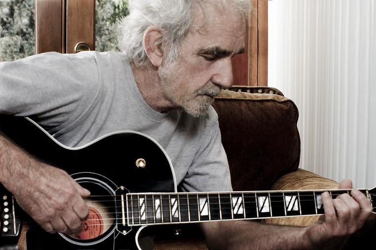 J.J. Cale schreef 'After Midnight' en 'Cocaine', die hits werden in de vertolkingen van Eric Clapton. Beeld Kos