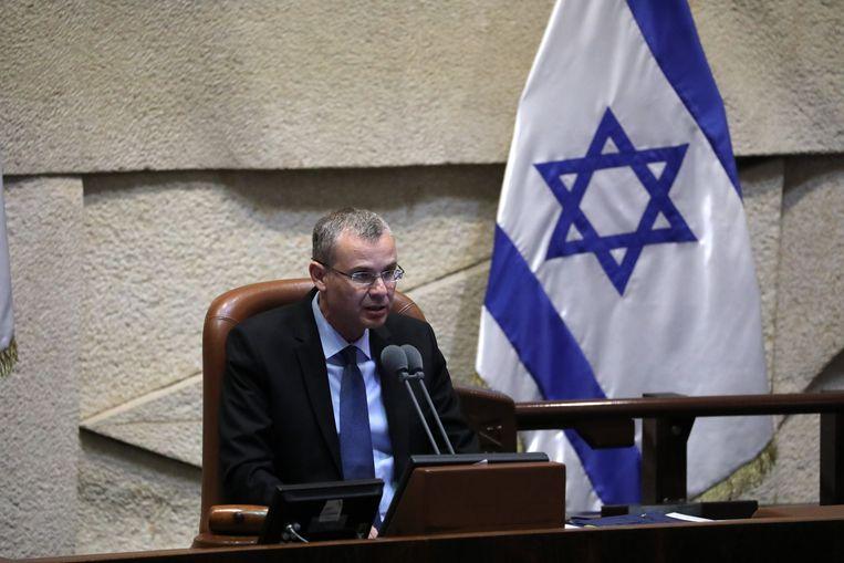De voorzitter van het Israëlische parlement Yariv Levin heeft een datum geprikt voor de stemming over de nieuwe regering: deze zal zondag plaatsvinden.  Beeld EPA