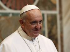 Le pape François rencontre son prédecesseur