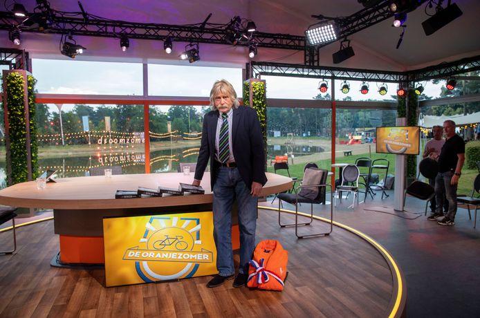 Johan Derksen in de tijdelijke studio in Otterlo.