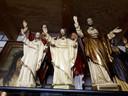 In het museum staan deze heiligenbeelden. Over elk beeld heeft Ans wel iets te vertellen. Foto Janneke Hobo