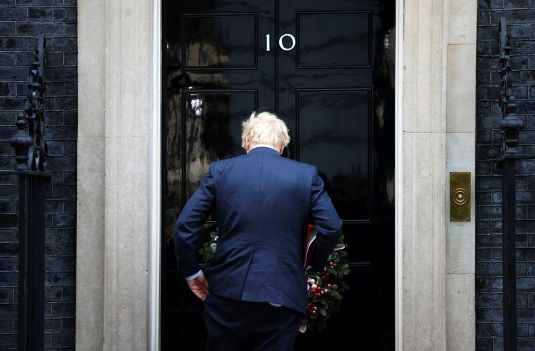 'Ik heb Boris opgegeven. Wat is er gebeurd met de vrijheidslievende, twinkelogende persoon op wie ik heb gestemd?', aldus Toby Young, een vriend van Johnson.  Beeld REUTERS