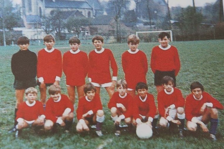De jeugdploeg van BW Lombeek met centraal onderaan Franky Van Der Elst, met de blonde haardos Beeld Mozkito