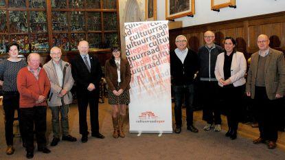 Julie Podevyn wint Prijs Historische Publicatie