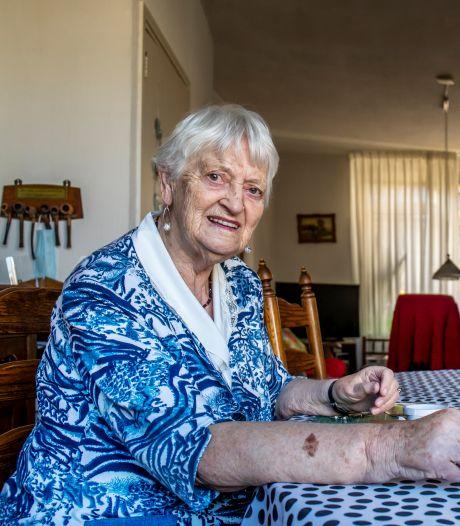 Janny (86) moest vijf kinderen grootbrengen van de bijstand, en tóch was ze altijd gelukkig