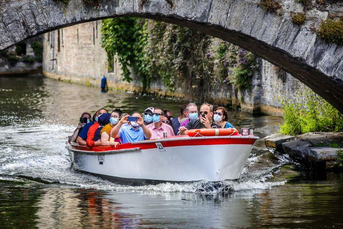 De bootjesmannen én toeristen met mondkapje aan: het rampjaar 2020 willen ze het liefst zo snel mogelijk vergeten.