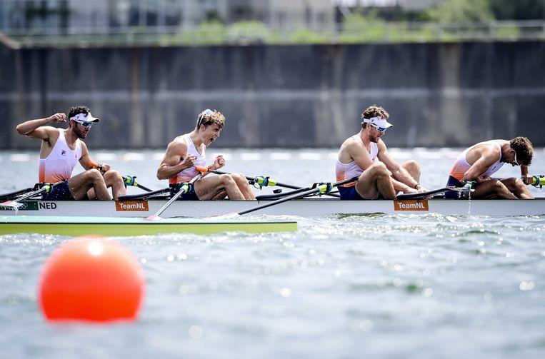 Lucas Theodoor Dirk Uittenbogaard, Abe Wiersma, Tone Wieten, Koen Metsemakers tijdens de finale mannen dubbelvier op de Sea Forest Waterway tijdens de Olympische Spelen van Tokio. Beeld ANP