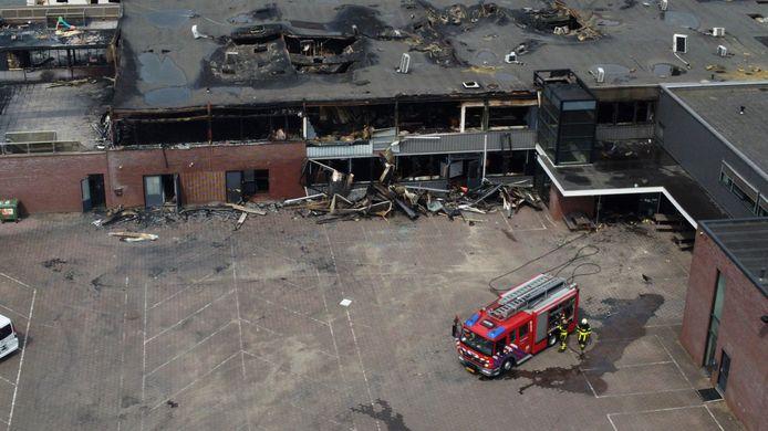De dag na de brand van zondag 2 mei was de schade pas goed zichtbaar.