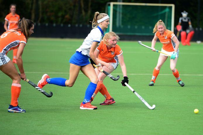 EHV ging fors onderuit bij Bully. De vrouwen uit Oldenzaal wonnen met 8-0.