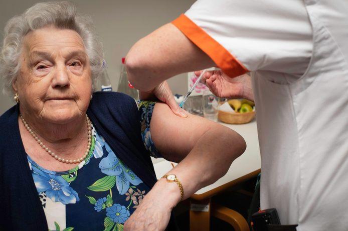 Angèle Plettinckx (97) krijgt als eerste het coronavaccin.