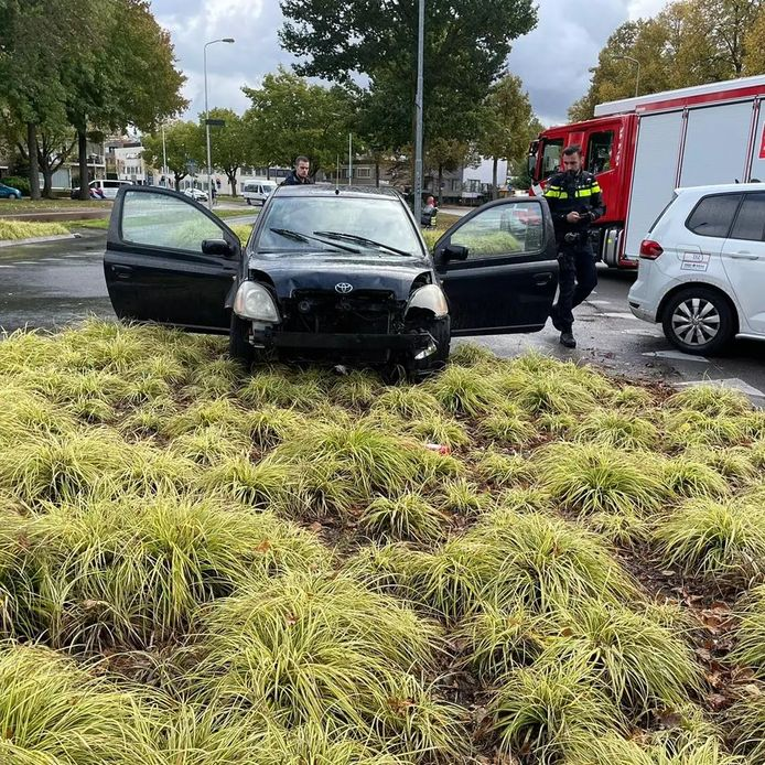 Man rijdt door rood en veroorzaakt een achtervolging in Eindhoven.