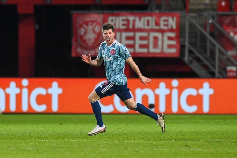 Klaas Jan Huntelaar tijdens een wedstrijd tegen FC Twente in de Eredivisie. Beeld BSR Agency
