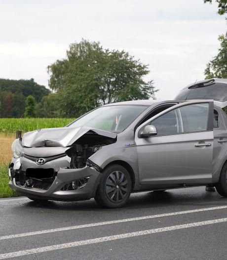 Auto's botsen op elkaar bij Epse, korte vertraging op de N348
