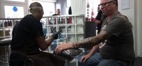 Tatoeages voor Molukken leveren bijna 1800 euro op