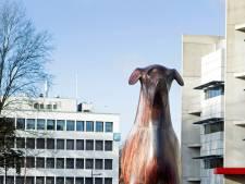 Restauratie Assense stationshond Mannes valt slecht bij ontwerper: 'Verschrikkelijk resultaat'