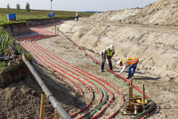 Rond de A59 bij Drunen en Waalwijk zijn met het oog op de Gebiedsontwikkeling Oostelijke Langstraat (GOL) al vele kilometers aan leidingen en kabels verlegd.