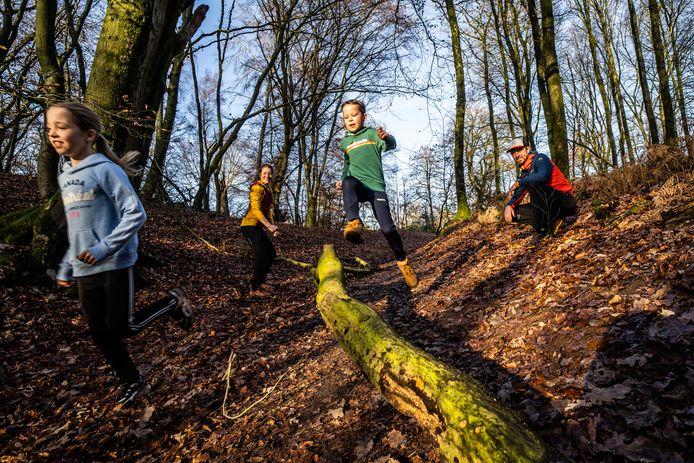 duno buitenbazen in de bossen van doorwerth. Charissa Koetsier en Marc Weening