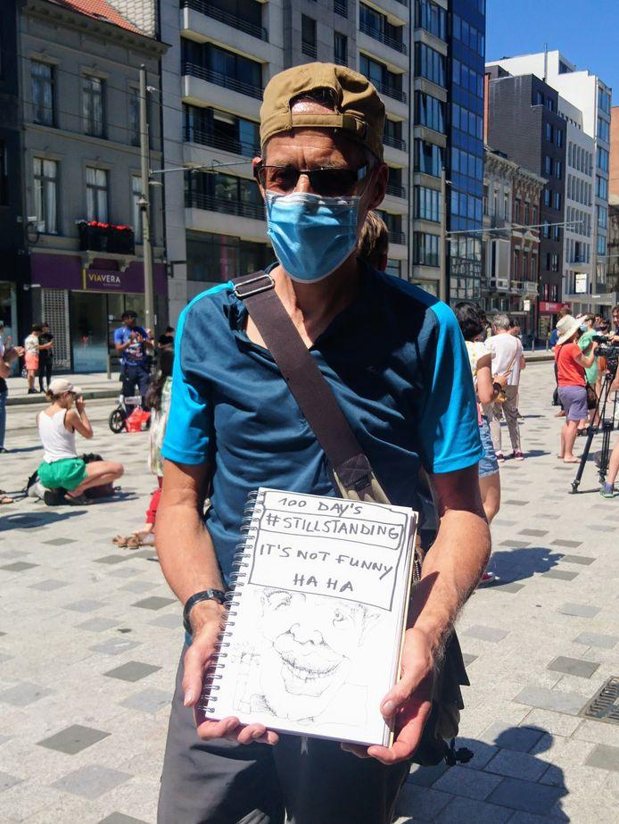 Beeldende kunstenaar Lebuïn D' Haese doet mee met de protestactie tegen het gebrek aan steun tijdens de coronacrisis.