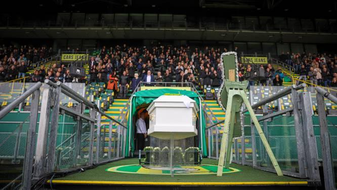 Indrukwekkende herdenkingsdienst voor overleden ADO-fan Dani (21): Erehaag bij stadion