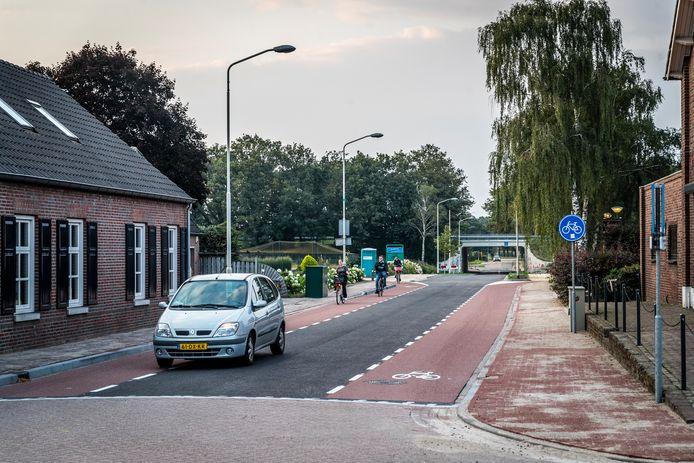 Lierop ED2021-12745 De Steemertseweg in Lierop is na 3,5 maanden weer open.