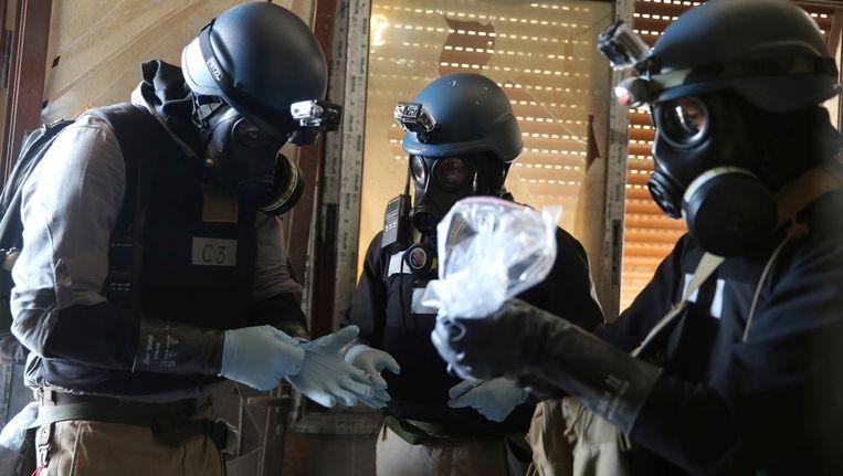 Wapenexperts van de Verenigde Naties zoeken in 2013 naar bewijs van gifgas Sarin in Damascus Beeld REUTERS
