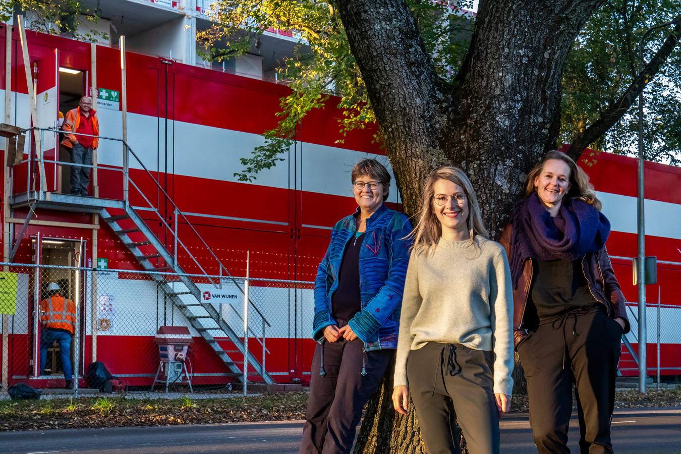 De fractievoorzitters van GroenLinks, D66 en ChristenUnie: Heleen de Boer, Jony Ferket en Rachel Streefland (van links naar rechts).