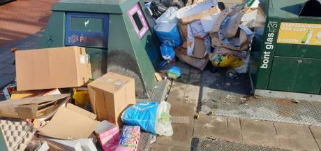 Alle maatregelen ten spijt, Haagse afvalberg op straat nog steeds niet weg: 'Het loopt de spuigaten uit'