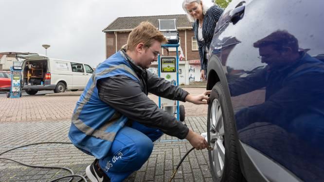 Gratis je bandenspanning testen in Steenwijk: 'Met kleine dingen kun je ook bijdragen aan het milieu'