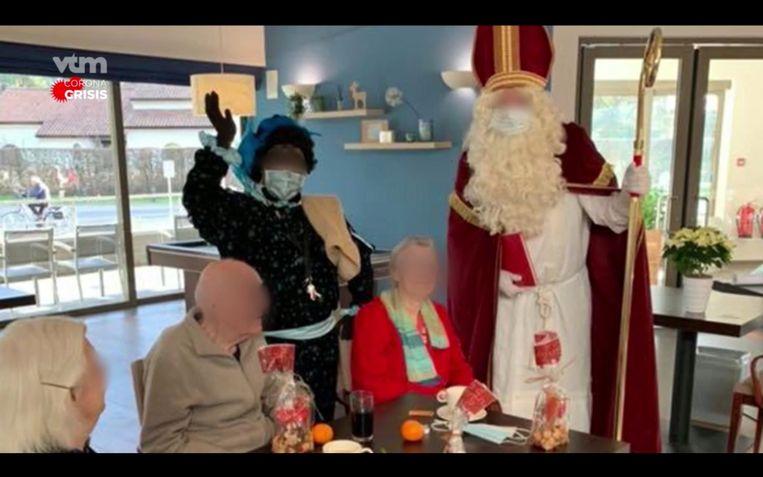 Een beeld van het feestje in het woon-zorgcentrum Hemelrijck in Mol. De hulpsint van dienst bleek een superverspreider. Beeld RTV