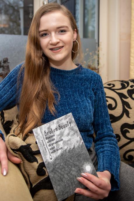Dichten hielp Yvonne (16) uit Goes bij het overwinnen van haar depressie: 'Je hoeft niet te zwijgen'