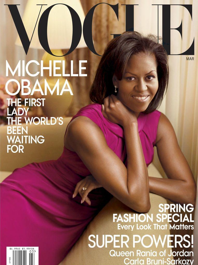 Maart 2009, Vogue met Michelle Obama, gefotografeerd door Annie Leibovitz, roze jurk van Jason Wu. Beeld