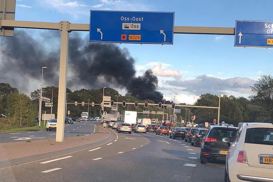 Ongeluk met vrachtwagen op A50 bij Berghem