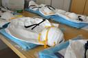 De verpleeghuizen hadden wekenlang een tekort aan beschermende kleding.