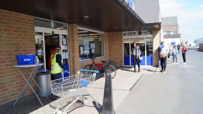 Opening winkels verloopt rustig, wel wachtrij bij Action in Lichtervelde