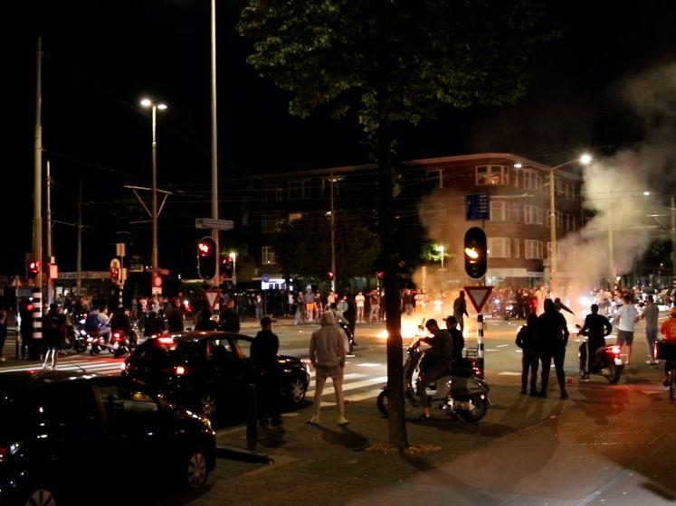 Politie grijpt in op Jonckbloetplein na EK-relletjes