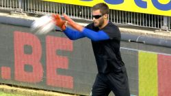 Anderlecht-keeper Didillon warmde tegen Charleroi op met 'knipperbril', maar wat is nu het nut van dit snufje?