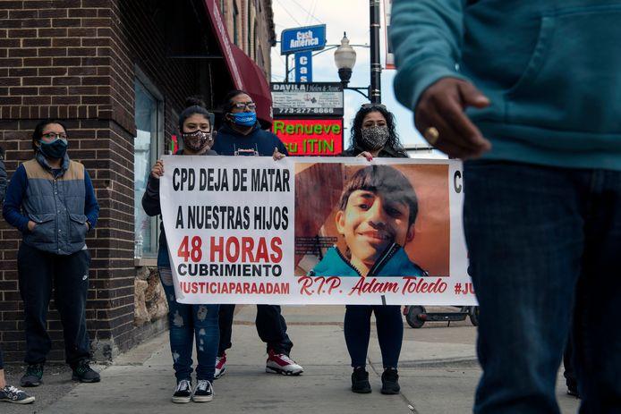 Demonstraten eisen gerechtigheid voor Adam Toledo.
