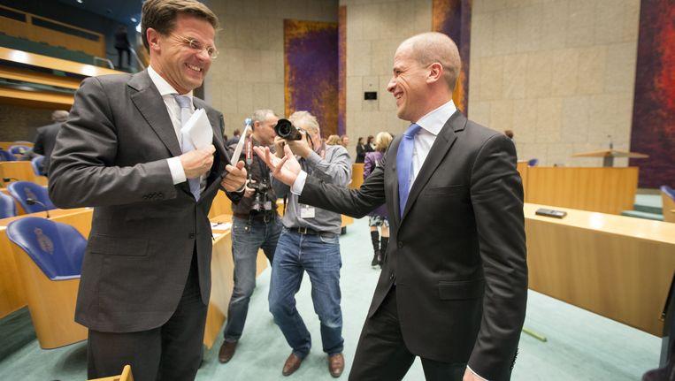 Mark Rutte (L) en zijn collega Diederik Samsom Beeld ANP