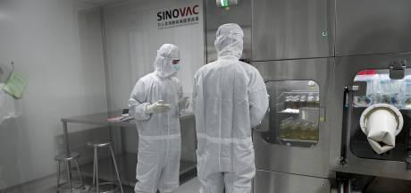Massale Chinese testvaccinatie: 'Gegarandeerd veilig, resultaat moet nog blijken'