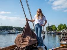 Zeilmeisje Eva (15) verruilt 't Harde voor Caribisch gebied: 'Mooi om midden op de oceaan te leren over de sterren'